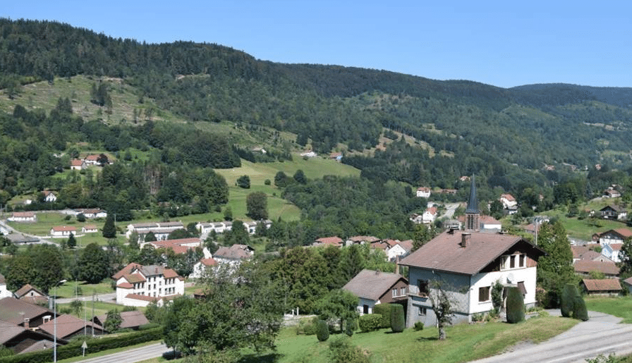 Saint Maurice sur Moselle en été